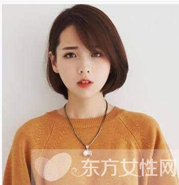 圆脸什么发型好看二 微微内扣的短发设计,与齐刘海搭配,勾勒出完美的图片