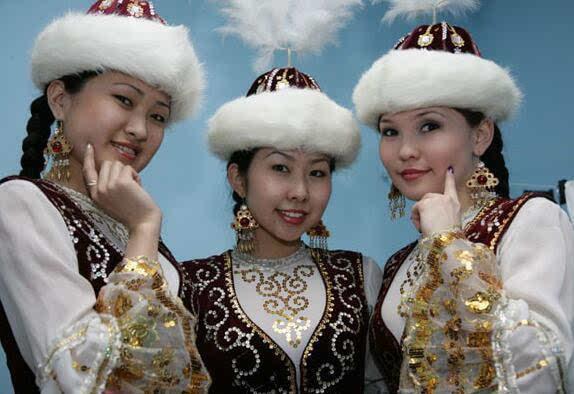 哈萨克斯坦人反对姑娘嫁中国男人 呼吁立法禁止外嫁