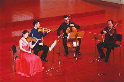 弦乐四重奏演绎了十余首观众熟悉的曲目,无论是引发观众共鸣的中国