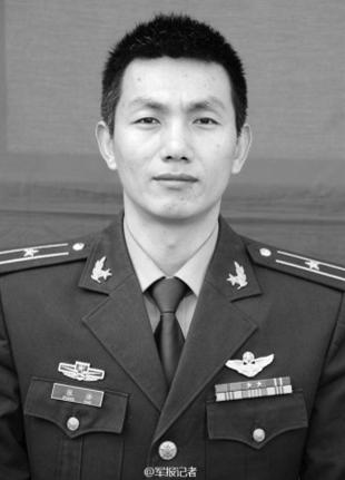 陆航/据灌云县伊山镇人武部赵部长介绍,他们是...