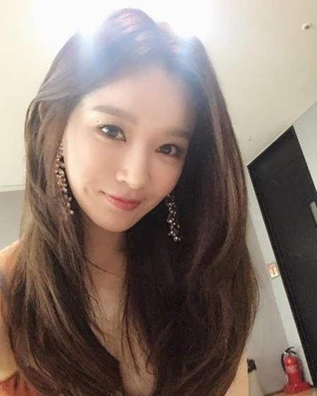 f(x)宋茜,宋慧乔等女星也经常在社交网站上传自拍照,有很多是素颜出