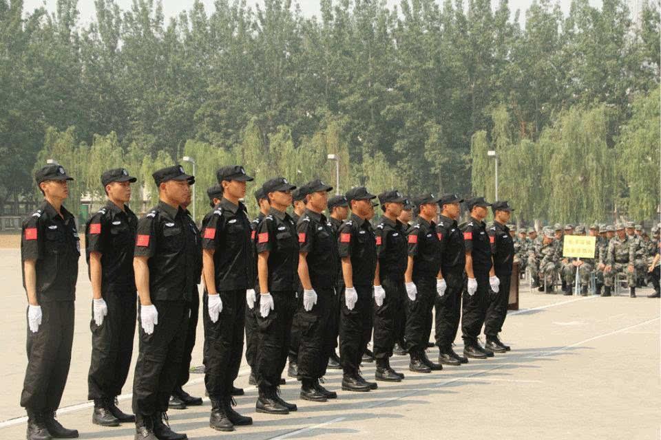 2000 年后,中国出现了多起震惊全国的绑架勒索案,刺激了保镖市场,但