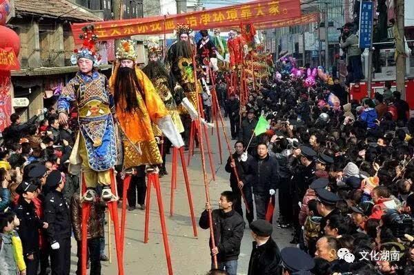 抬阁故事文化节丨长乐麻石街上的