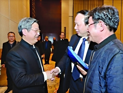 湖北省市领导寄望龙头企业家 发挥龙头带动作用
