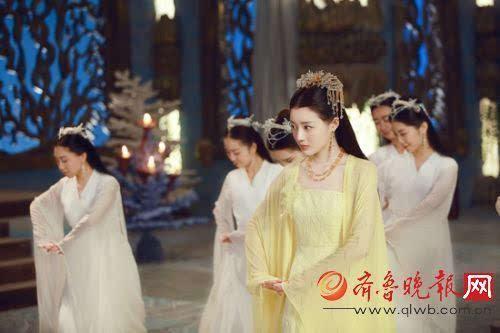 三生三世十里桃花 东海公主上线 对夜华一见钟情为爱献舞