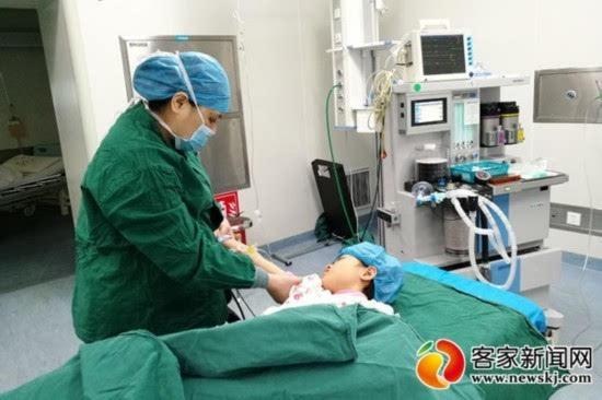 """赣县区""""临盆医生""""坚守手术台 一天做5台手术"""