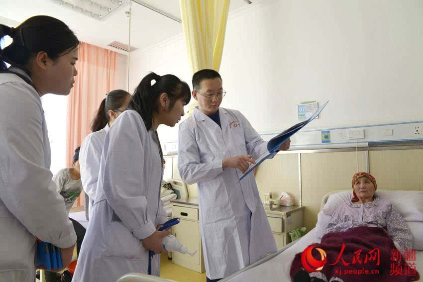 新疆和布克赛尔县:妇产科来的男医生(图)