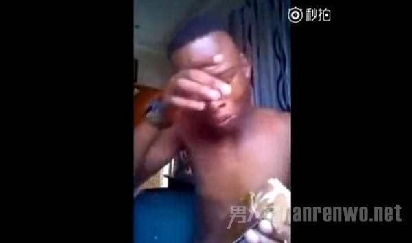 betway必威亚洲第一次尝到雪糕的非洲人哭了!溢出屏幕的 betway必威亚洲 第2张