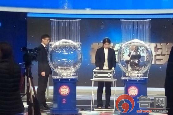 泰安:媒体亲历福彩双色球开奖 揭开双色球神秘面纱_搜狐新闻_搜狐网
