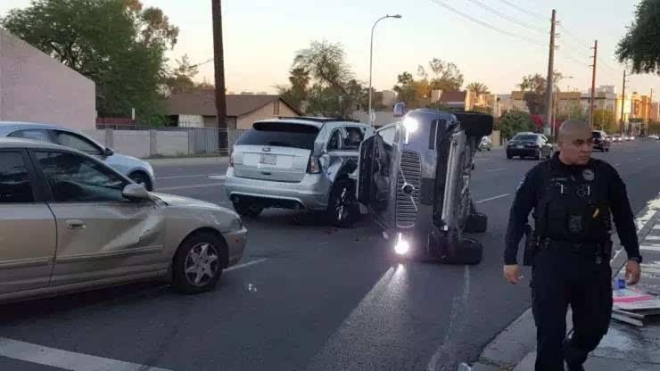 """Uber无人车侧翻事故详解:这个""""锅""""Uber不背"""