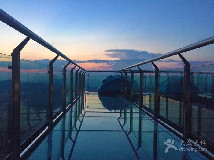重庆现天空悬廊距城区110公里驾车仅需1.5小时