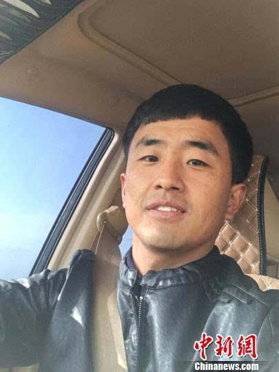 内蒙古大学生返乡创业:小小手工饼也能富乡亲
