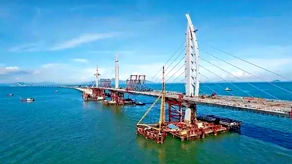深海动情一吻 港珠澳大桥即将全线贯通