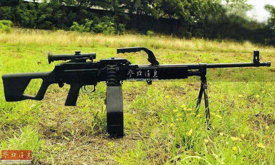 m249轻机枪.