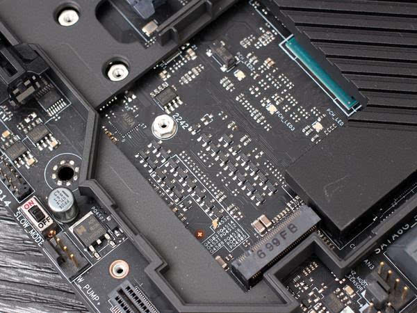 同等价位 选SATA SSD还是M.2 SSD?的照片 - 9
