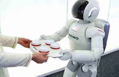 美的携库卡机器人亮相 未来智能厨房由语音控制
