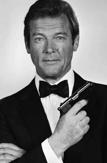 007罗杰摩尔去世成为了很多人的共同记忆