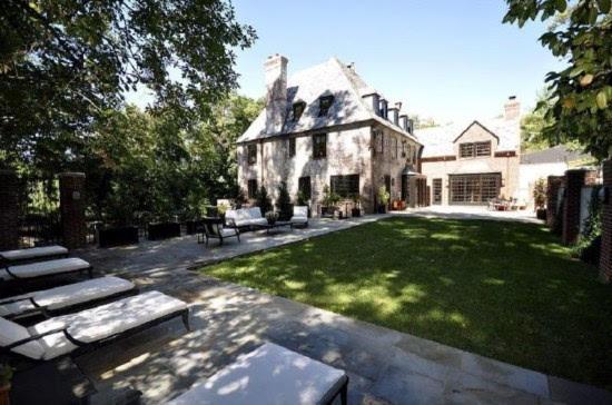 奥巴马出价5000多万元购买华盛顿豪宅面积760平方米