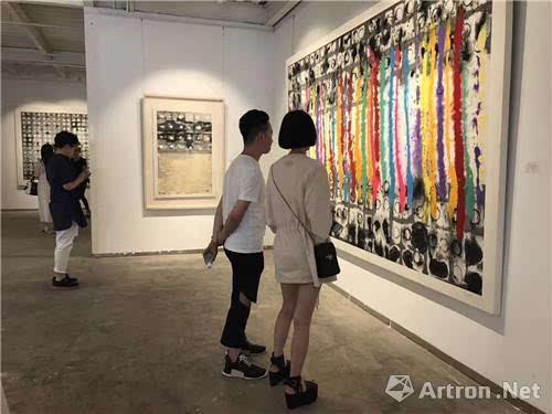 极多之墨 当代抽象水墨三人展在共同艺术中心开幕
