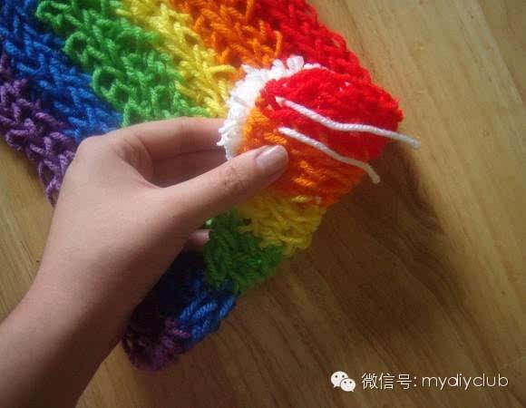 什么?用手指就可以快速编织出彩虹围巾!