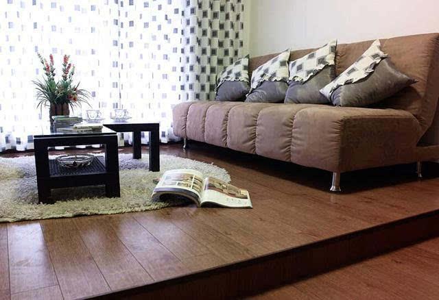 【家装知识】木地板vs瓷砖,你家地面到底铺什么更好?