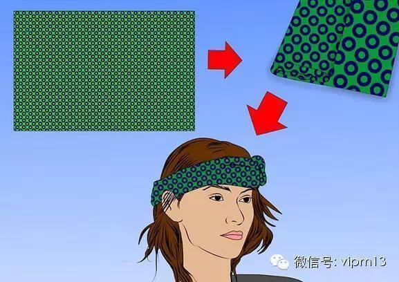围巾放在桌子上如何折好看