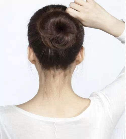 实用:2种最简单漂亮的韩式丸子头,花苞头扎法图解