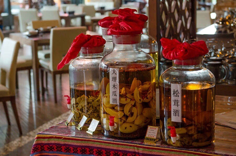 大理木瓜泡酒有点小甜~最爱的是丽江橄榄酒:入口顺滑