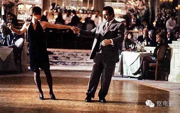 闻香识女人是1992年公映的美国电影