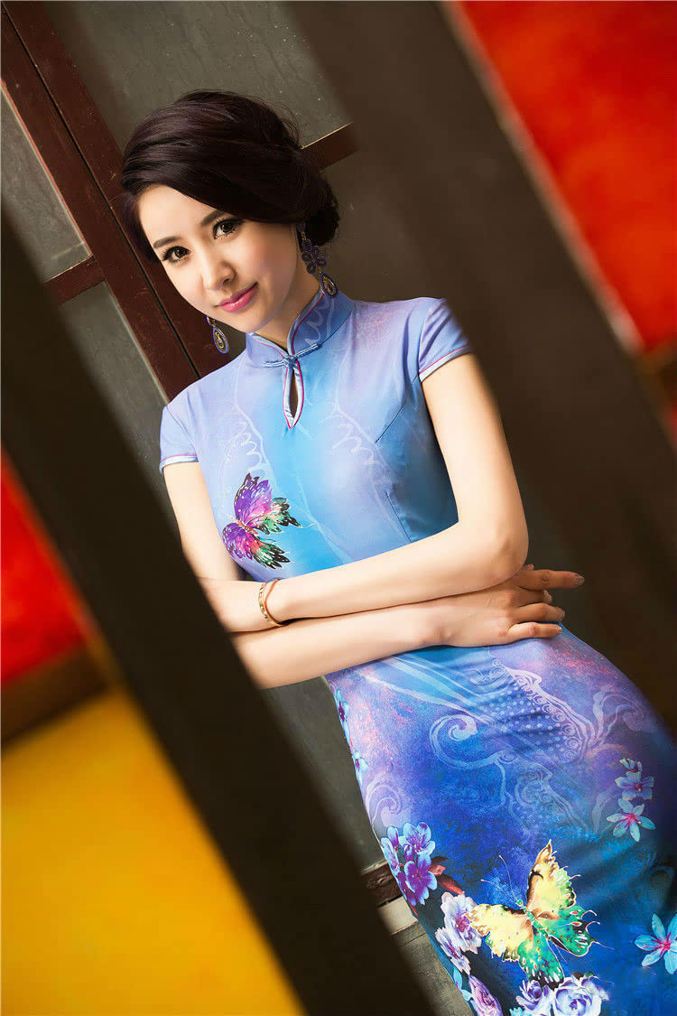 女人穿上旗袍 永远是一种无言的诱惑 - 张老师 - 电脑课件之家