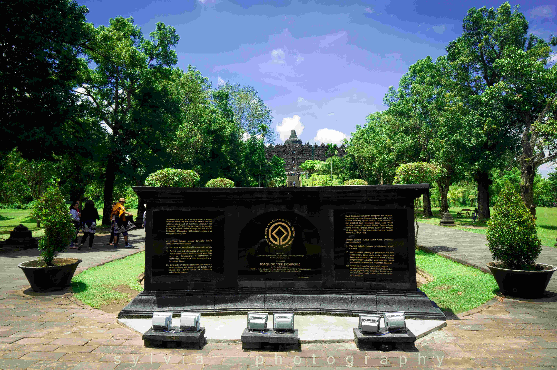 【印尼印象】婆罗浮屠--山顶上的佛塔,穿越千年