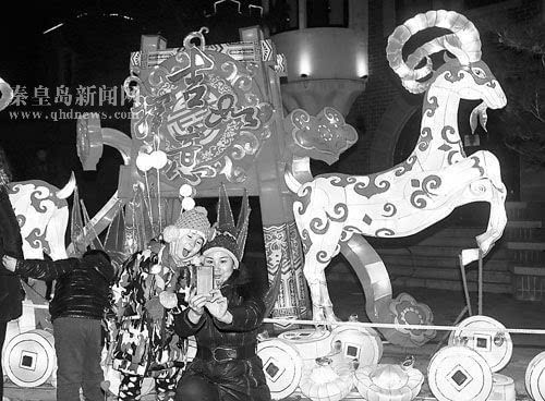 2015年秦皇岛北戴河春节灯会火热进行