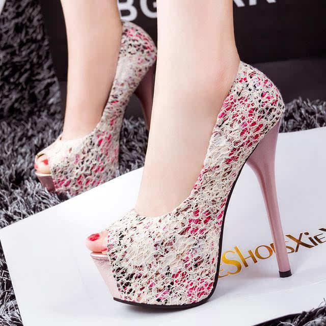 从穿鞋习惯看你的心理性格 从穿鞋类型看女人的性格特征 相术命理 第4张