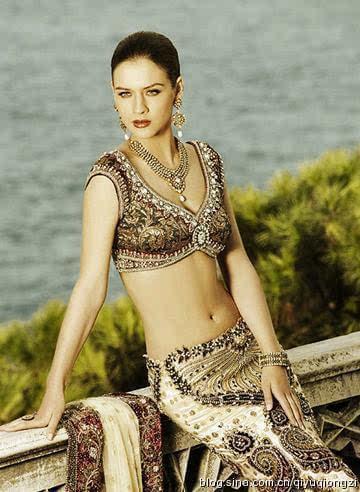 印度国宝级女神美到窒息,举手投足间让人喷血