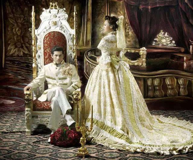 欧式婚纱照_欧式复古婚纱照