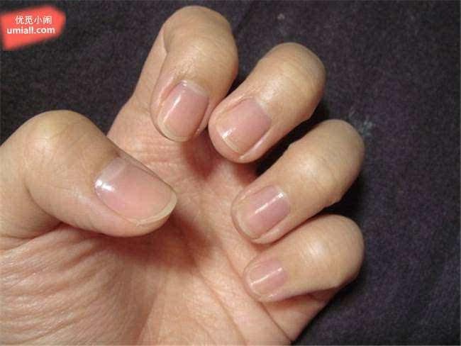 电影里的长指甲美女,长指甲美女抓,初美女的长指甲图,长指甲美女