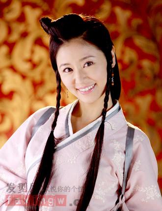 示范汉室美人人生变迁,一袭复古汉朝发型,妆容素雅,中分刘海最挑脸型图片
