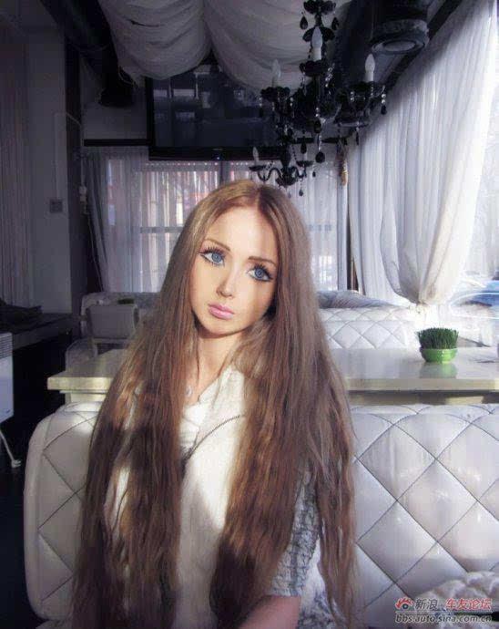 乌克兰真人芭比生活照