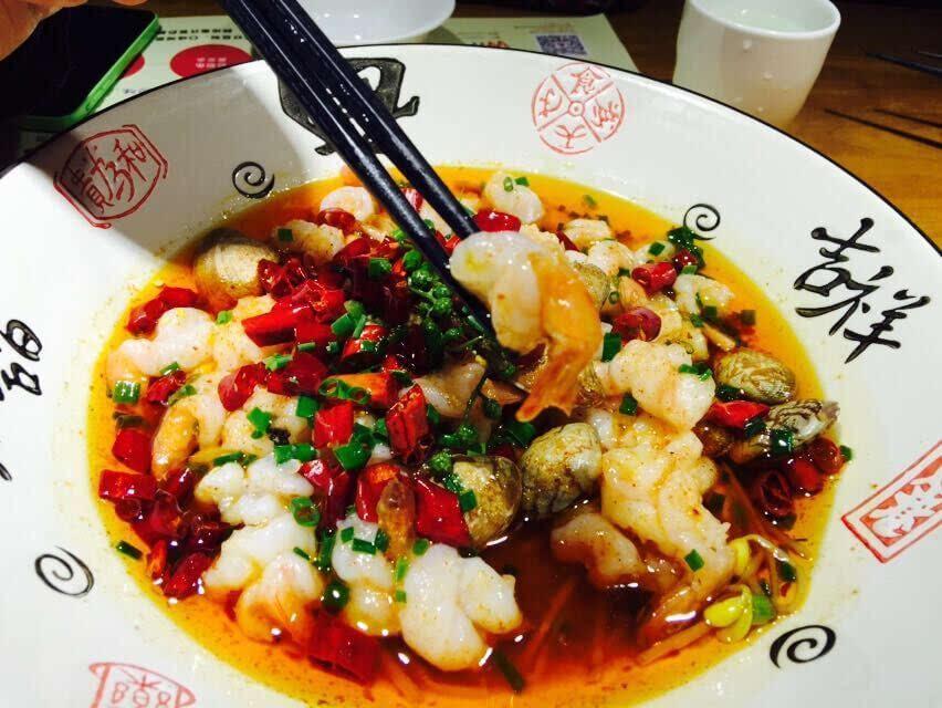 这湘菜是类似川菜毛血旺与豆芽结合的打底,花椒土豆,配上辣椒油,道菜三明治火腿炒菜品图片