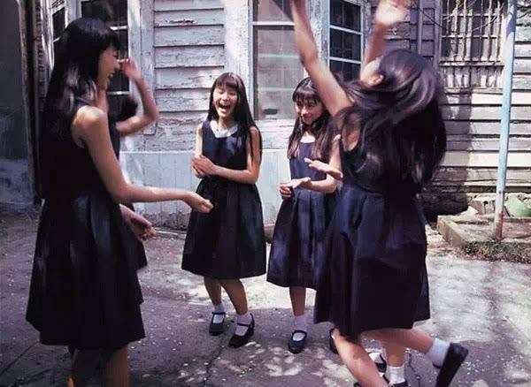 日本--无码-人体_后来则以宫泽理惠,樋口可南子的拍摄影响最大,后者被认为是日本人体