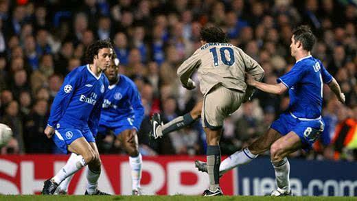 回看欧冠经典对决,曼联补时两球绝杀拜仁还记