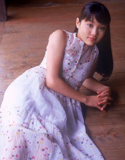 铃木杏里-当年被周杰伦陈冠希迷恋的姑娘,现在变这样