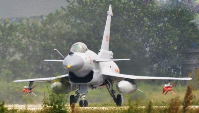 印度真的找到歼-10对手吗?最新高清照看出阵风
