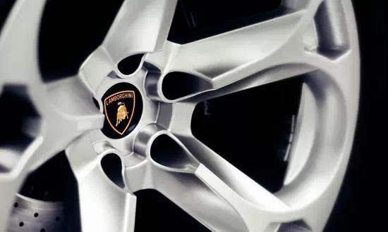 气压直接影响轮胎寿命,轮胎冷却情况下(即停车后三小时或行驶不到2图片