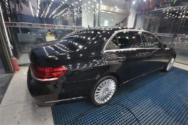 京车汇汽车改装风一样的时尚之——奔驰e60改装电尾门