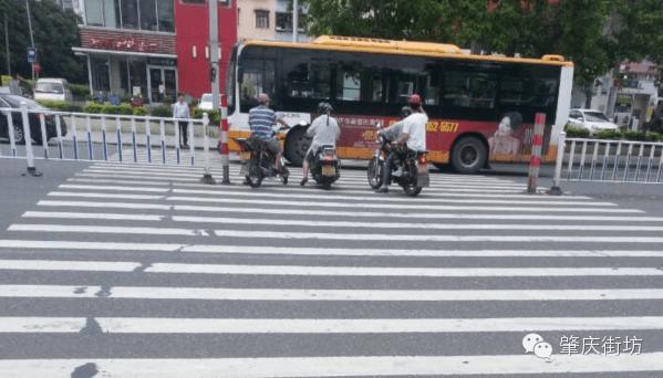 肇庆:关于景山岗加油站十字路口的问题,你怎么看?