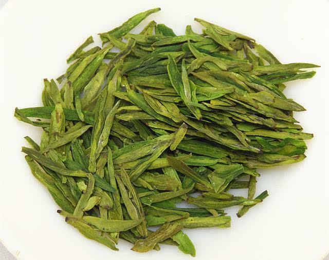 把杭州市西湖区168平方公里内茶园所产茶叶称之为西湖龙井,树种以龙井
