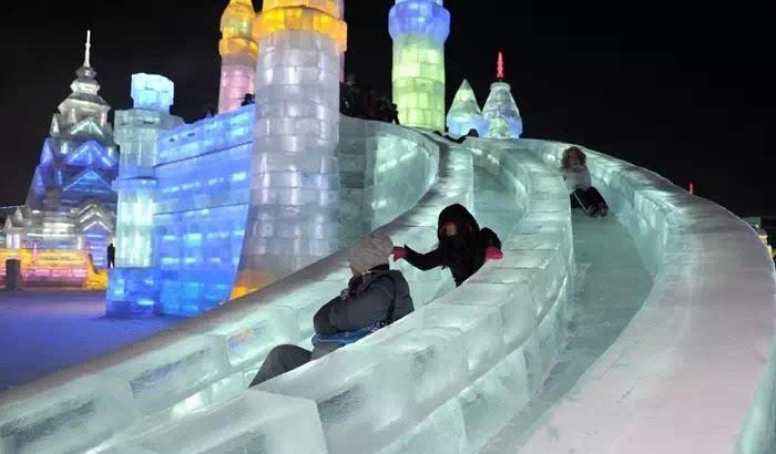 大型冰雕,山地滑雪,冰雕城堡,冰上游戏…点赞吧!