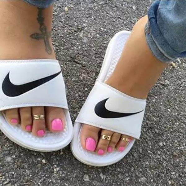 凉鞋配脚戒够a凉鞋!女排v凉鞋中美图片