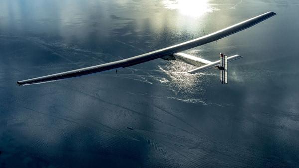 """世界最大太阳能飞机""""阳光动力2号""""从南京起飞"""